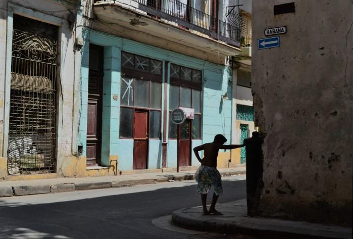 calle habana vieja cuba
