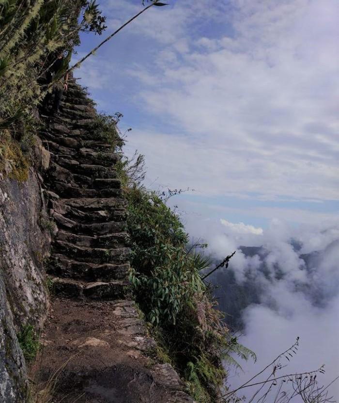 subida montaña machu picchu