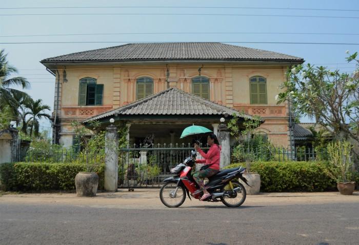Alquiler moto Laos