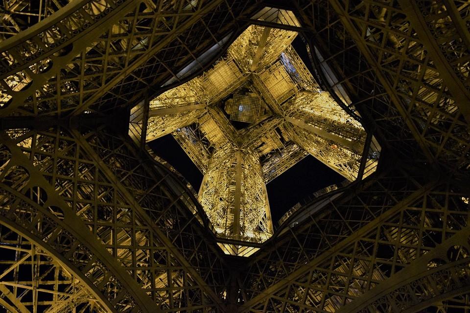 eiffel visitar torre